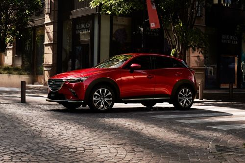 CX-3 2018 Front angle low view