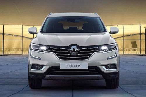 Full Front View of Koleos