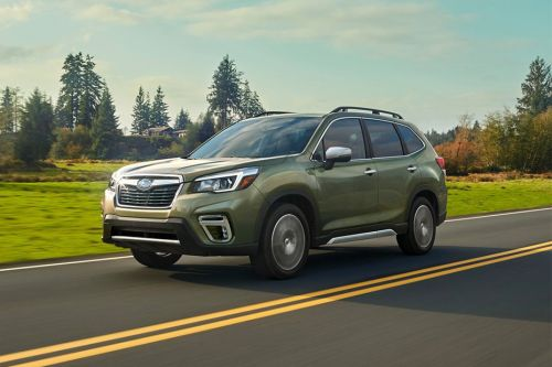 Forester 2019 Front angle low view
