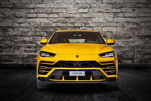 Full Front View of Urus