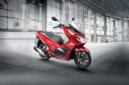 Honda PCX 2019 Slant Rear View Full Image