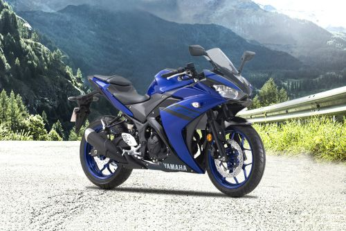Yamaha YZF-R25 Slant Rear View Full Image