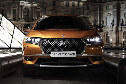 Full Front View of 7 Crossback